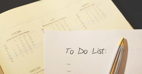 A checklist helps with course preparation.